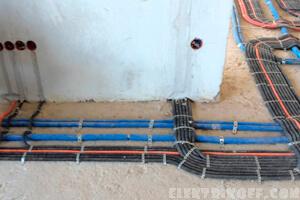 Электропроводка в стяжке пола